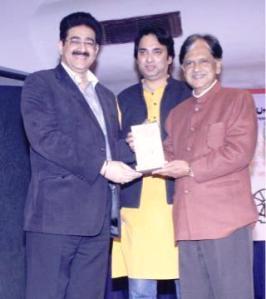 Sandeep Marwah Honored With Pride of Noida Award