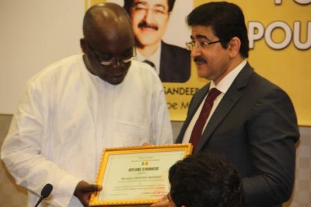 Sandeep Marwah Honored at Dakar