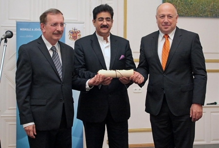 Sandeep Marwah Honored at Hungary