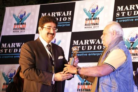 Life Time Achievement Award for Ramesh Meer