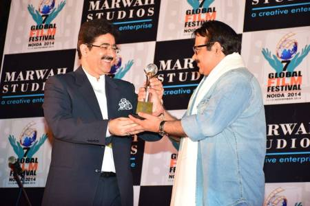 Neeraj Pathak Honored With Excellence in Cinema Award at 7th GFFN