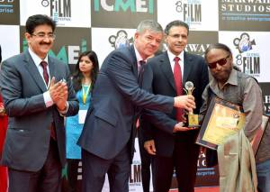 Ketan Mehta Honored at 8th GFFN
